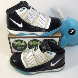 Nike Lebron Zoom Soldier 3, Sz 4.5Y